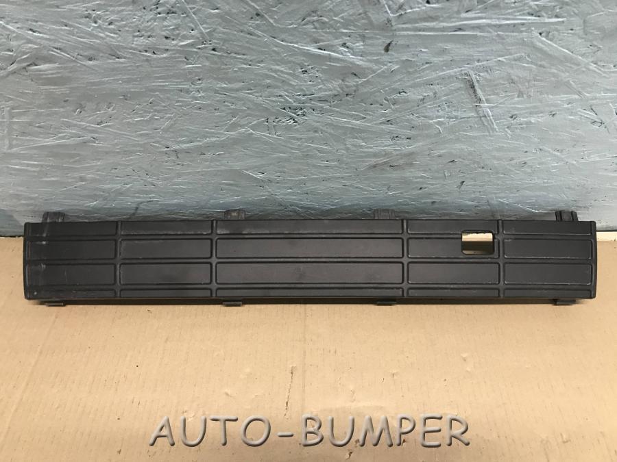 Накладка бампера передняя  6RU853678A 6RU853678